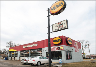 A BANNER BUSINESS In just a few short years, Andrea Brown has built her Midas Auto Care location into one of the company's most successful facilities in the Chicago area. An Army veteran, Brown runs her shop with a disciplined focus on the customer.