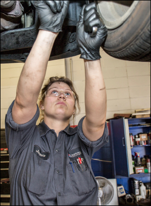 Training-Tomorrows-Technicians1.jpg